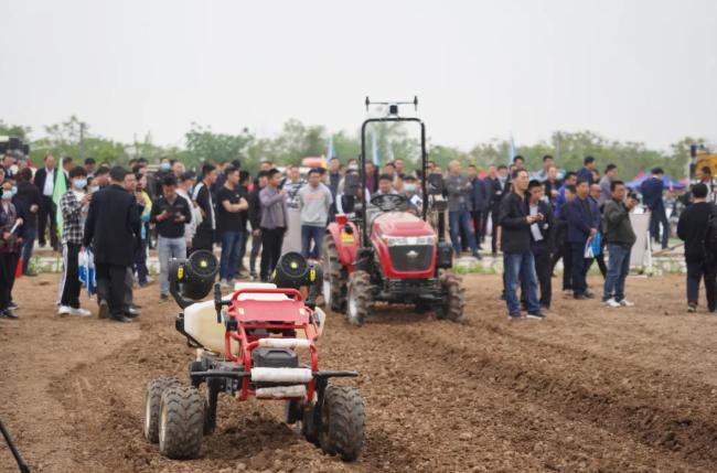 极飞科技:新型农机齐登场,助力湖北智慧农业发展